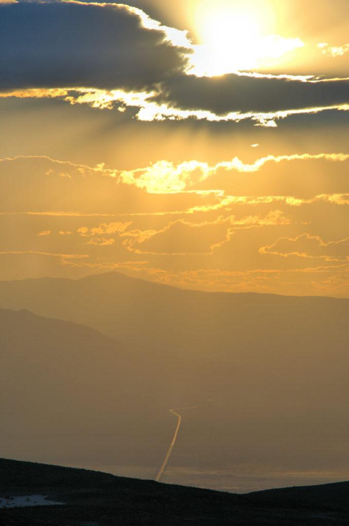 Nasze przeżycia podczas wycieczki do Doliny Śmierci i krótka refleksja o tym, czemu teorie spiskowe w USA są tak popularne.