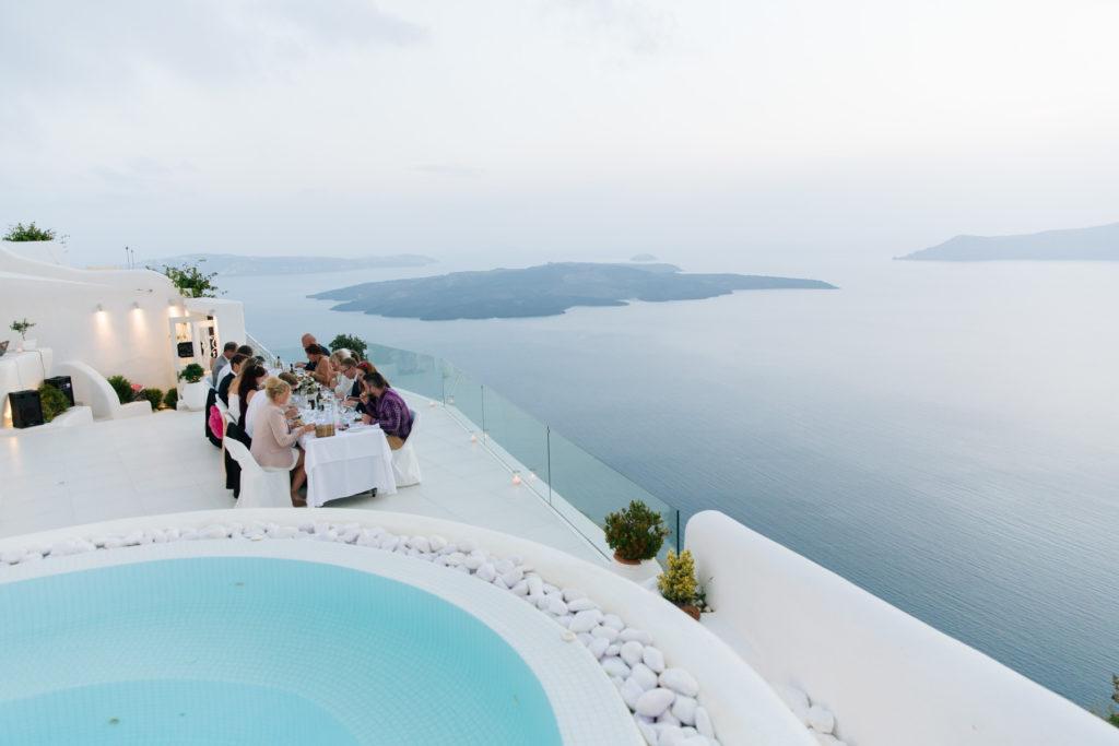 Jak zorganizować ślub za granicą? Krok po kroku przedstawiamy Wam, jak udało nam się zorganizować nasz ślub na Santorini.